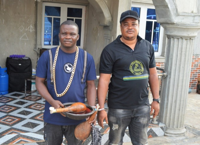 Two brothers aresstes for extorting Yahoo boys in Abeokuta.