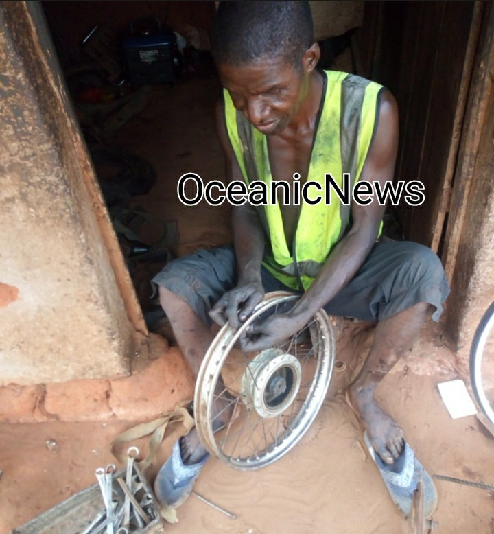 More video and images of the blind vulcanizer and motorcyle mechanic in Enugu.